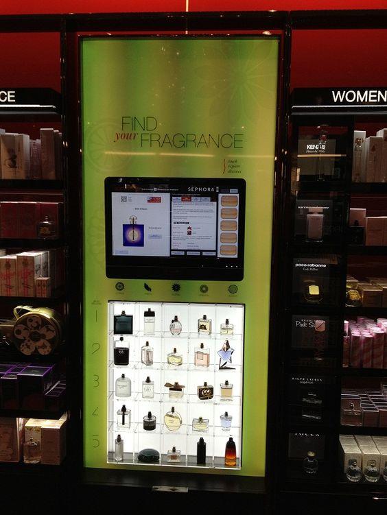 Magasin Sephora équipé d'une borne tactile d'aide au choix connectée à Facebook