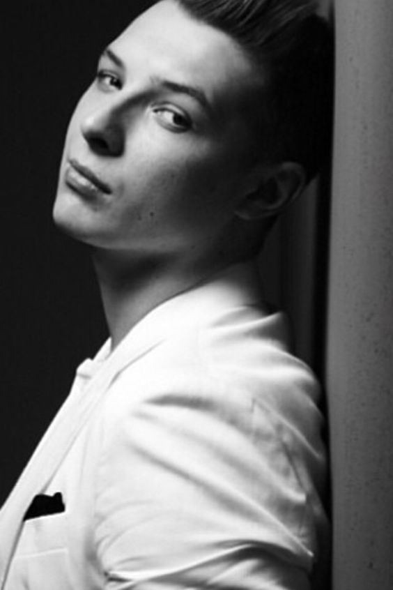 John Newman... Oh, my my my.. That look just absolutely melts my heart!!!! (;