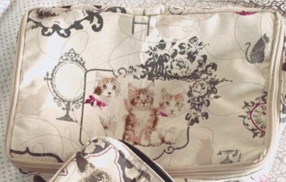 ネコ柄ファブリックポーチ Fabric