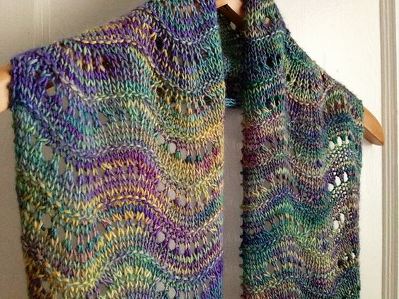 Ripple Stitch Knitting Pattern Scarf : Rippling Thames Scarf Free Pattern Knitting Patterns & Tutorials P...