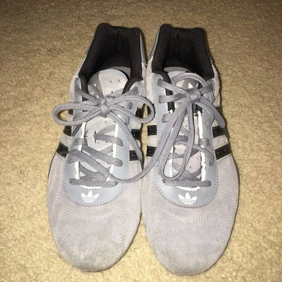 RAREAdidas Adi Racer model:789002 Men's 7.5 2006 Adidas Adi Racer Suede grey & black. Mint condition. One owner worn less than 10 times. Model number is 789002 size 7.5 men's. Adidas Shoes Athletic Shoes