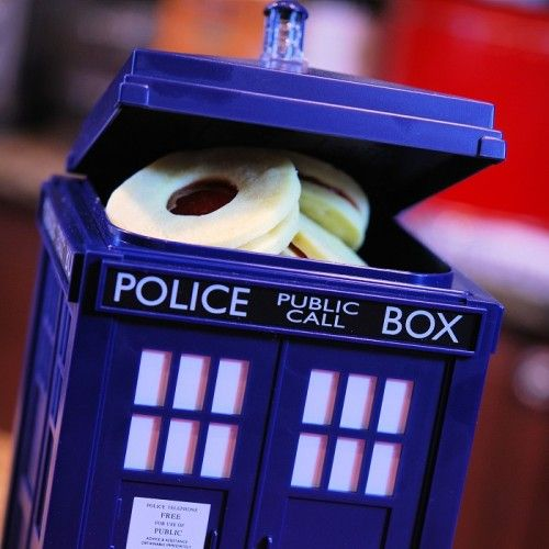 Doctor who tardis cookie jars and doctor who on pinterest - Tardis cookie jar ...