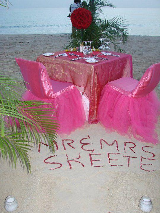 Romantic Dinner on the Beach  #destinationweddings #honeymoons