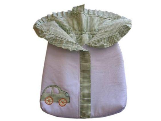 Lindo saco manta para o bebê ficar quentinho e confortável. Ideal para Recém-Nascidos. Muito prático e seguro! Em tecido fustão, forro 100% algodão, acolchoado e com aplicação acolchoado. Fechamento em Zíper.