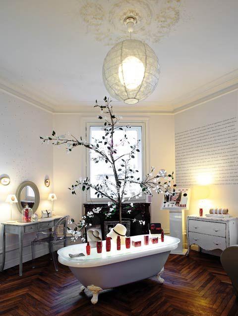 La salle de bain nantes salon de coiffure 19 rue de for Coiffeuse de salle de bain