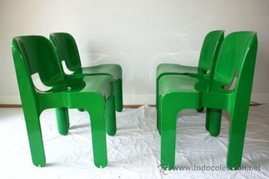 verdes de Kartell (diseño de Joe Colombo) de plástico inyectado