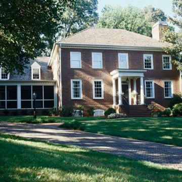 Architecture home and native country on pinterest for Classic colonial homes