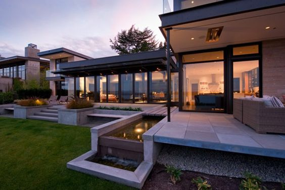 Fantastic Modern Home with H Shaped Design: Stunning H Shaped Modern Home Exterior Beautiful Water Feature