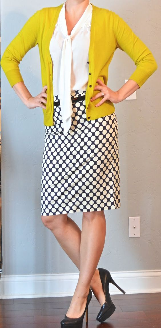 Outfit Posts.  Surprises me, that I like this. However, I don't think the yellow/mustard works for me.