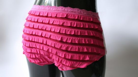 I have to make these! eee... ruffle undies!