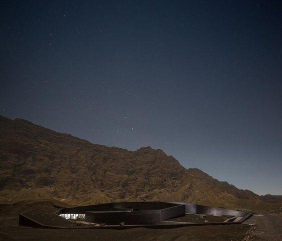 Arquitetura e paisagem: Oficina Central Parque Natural Fogo, de OTO Arquitectos (Isla de Fogo, Cabo Verde. 2013)