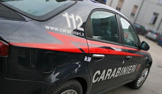 Arrestato un sorvegliato, poi c'e chi ruba un telefonino e chi a teatro nelle news dei carabinieri