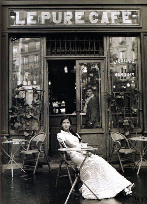 PHOTOS : l'évolution du look des parisiennes depuis 1900