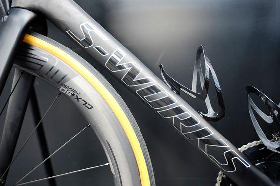 在倫敦定制自行車專業S-Works Tarmac SL6 Disc
