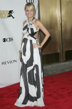 Nicole Richie at the 2007 Conde Nast Fashion Rocks event | Red Carpet Maternity Style - Chocomeet.com