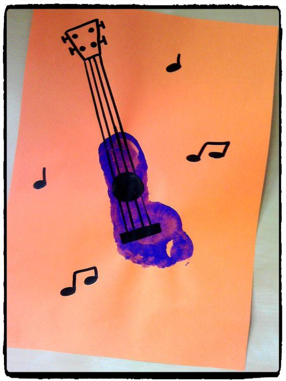 Empreinte de pied guitare f te de la musique peinture enfant musique pinterest musique - Peinture main enfant ...