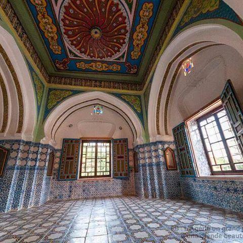 هذه هي قصور الجزائر من الداخل فالهندسة الجزائرية القديمة اعتمدت على النمط الاسلامي وهو عدم اظهار الفروقات الاجتماعية فكل Instagram Instagram Photo Photo