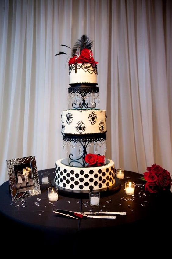 Elegant Old Hollywood Cake, Miville Photography