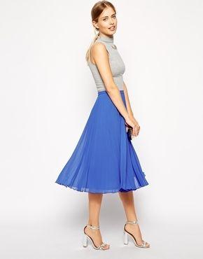 €51, Blauer Falten Midirock von Asos. Online-Shop: Asos. Klicken Sie hier für mehr Informationen: https://lookastic.com/women/shop_items/72127/redirect