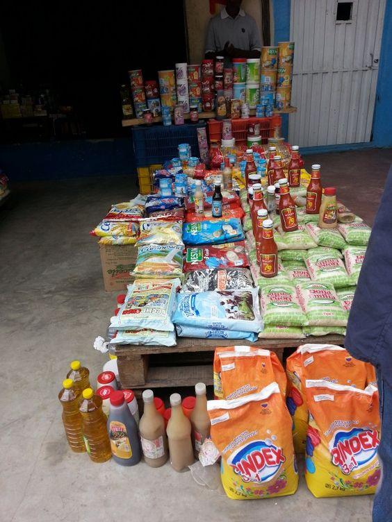 EN VIDEO Maicao se 'come' a Venezuela.Lllegaron como una plaga de langostas,q nos quitan la alimentación.las medicinas,la salud,la educación,y si acaso trabajan nos quitan también el trabajo,gracias al desgobierno regalón y su politica de puertas abiertas en la fronteras