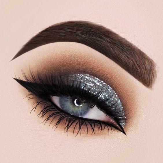 Maquiagem - sombra glitter prata