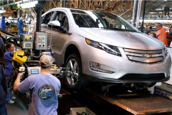 Volt Production Halted What S Next Chevrolet Volt Nissan Leaf