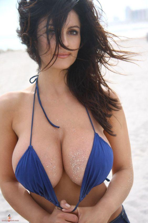 Angetrieben durch Galerie Bikini