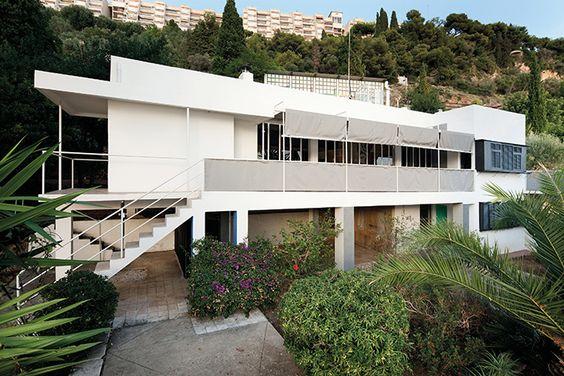 À Roquebrune-Cap-Martin, la villa E-1027 de l'architecte-designer Eileen Gray rouvre ses portes au public jusqu'au 31 octobre, après une longue restauration initiée en 2007. © Manuel Bougot
