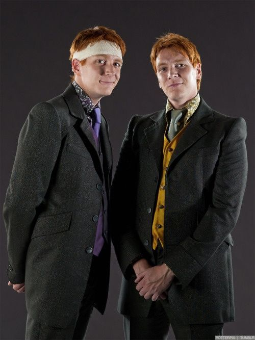 Https I Pinimg Com Originals 8f C7 51 8fc751b11d201cf2d818a52fcd50146a Jpg In 2020 Harry Potter Actors Fred And George Weasley Harry Potter Cast