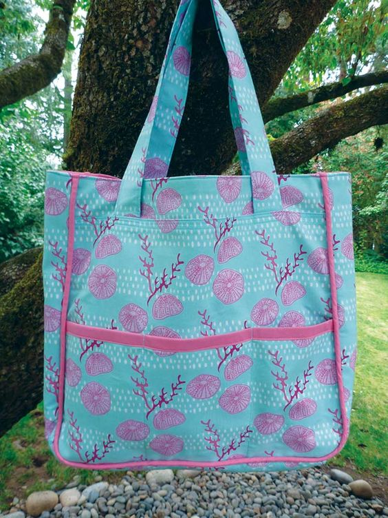 All Season Tote Bag PDF Tutorial | Sew Mama Sew | Outstanding sewing, quilting, and needlework tutorials since 2005.