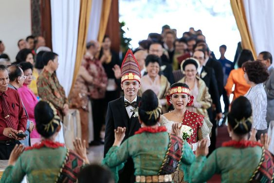 Bold And Classic Wedding At Hotel Aryaduta