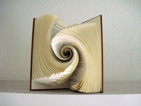 Book folding art by schaduwlichtje: