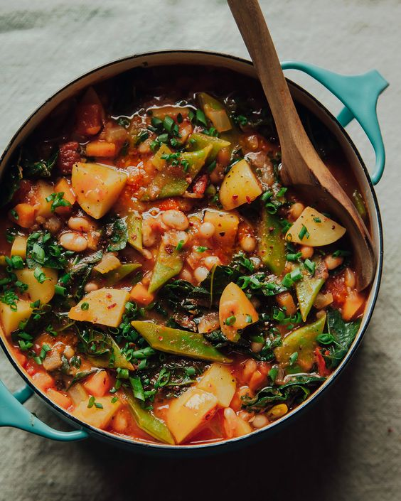 SMOKY AND SPICY WHITE BEAN STEW WITH POTATOES & KALE