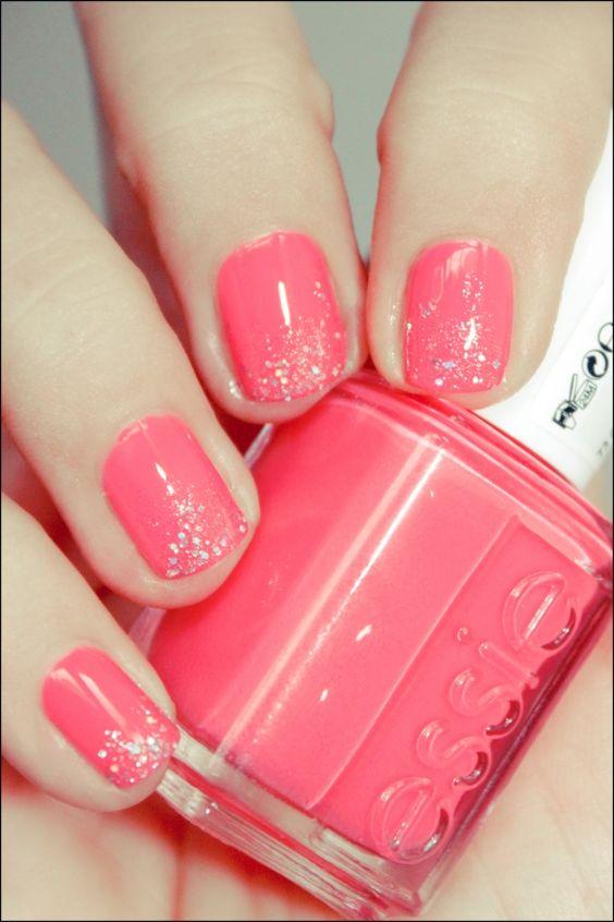 Essie - Cute As A Button + glitter