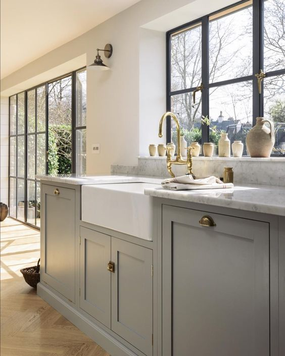 Big Crittall style windows flooded the Chester Kitchen with the loveliest light and there were stunning views out onto the customer'sâ¦