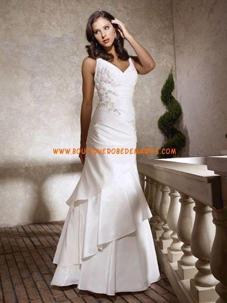 Robe de mariée évasée taffetas applique