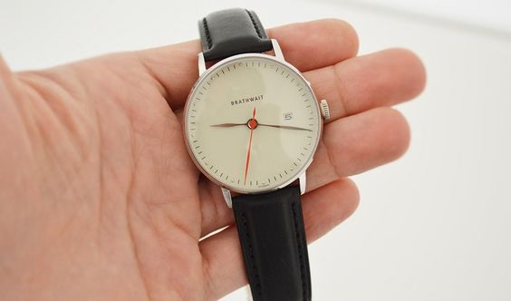 Montre homme Brathwait: « The automatic minimalist wrist watch » //photo de L'HommeTendance.fr