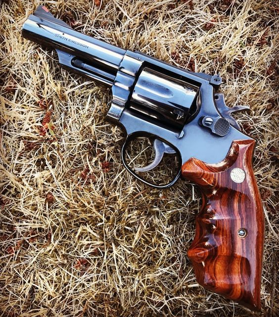 High Quality Magazine Speedloader Manufactured In The Usa In 2021 Hand Guns Guns Handgun Guns