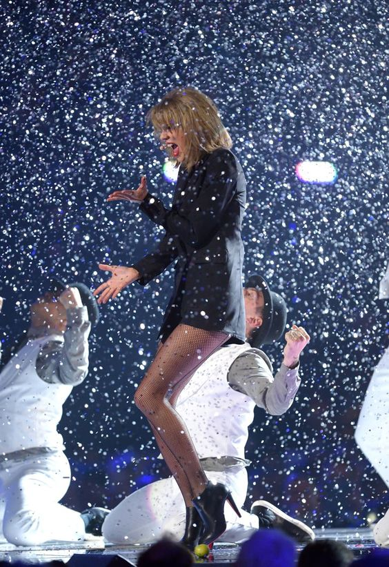 Pin for Later: The 1 Thing You Didn't Notice About Taylor Swift's Brit Awards…