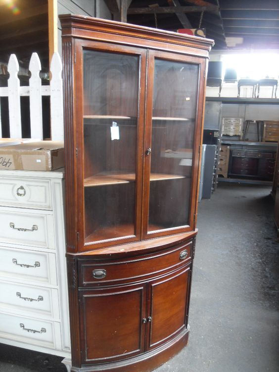 Charming Duncan Phyfe Corner Curio Cabinet Elegant Duncan Phyfe Corner Curio Cabinet.  Great Space Saver. Tuck Your China Into The Corner Of You Dining Areau2026