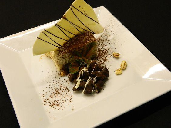 Tiramisu met chocolade-mueslirotsjes en koffiesiroop