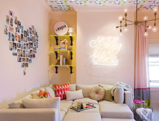 love love love the wallpaper on the ceiling. light pink walls :: heart photo collage :: neon sign. All of it!