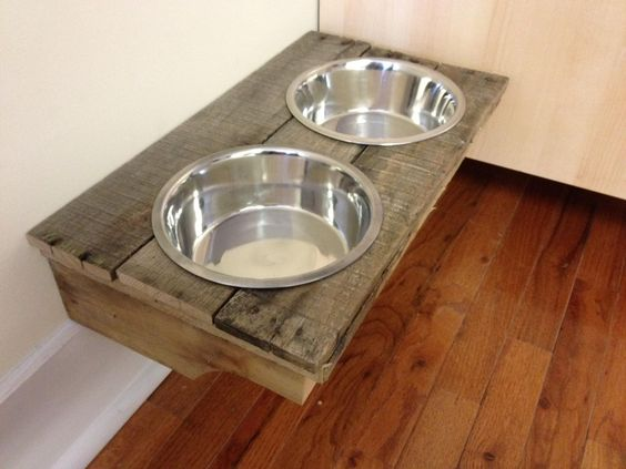 wall mounted dog bowls made from old pallet for the office pinterest cut outs dog bowls. Black Bedroom Furniture Sets. Home Design Ideas