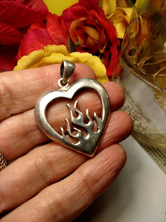 Studio Sterling Silver Flames Rockabilly Goth Gothic Sacred Heart Pendant
