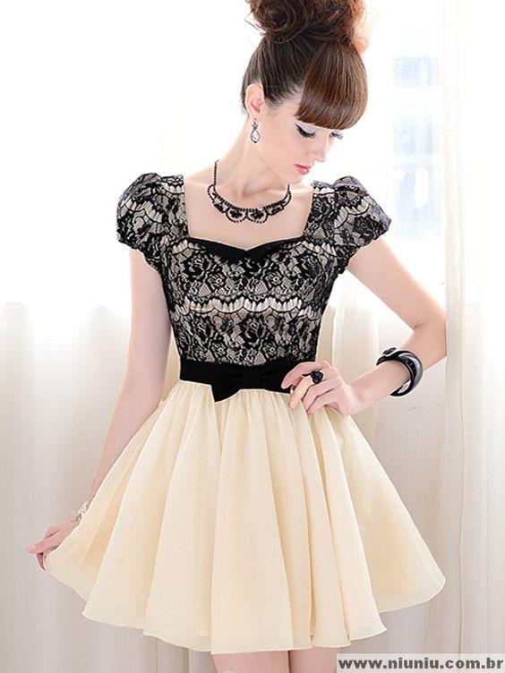Vestido Elegante com Renda Preta: