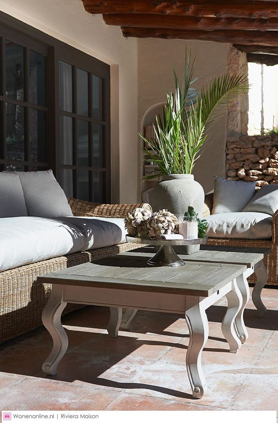 Rivièra Maison woonaccessoires en meubelen. Meer Rivièra Maison vind je op onze website http://www.wonenonline.nl/interieur-inrichten/riviera-maison/: