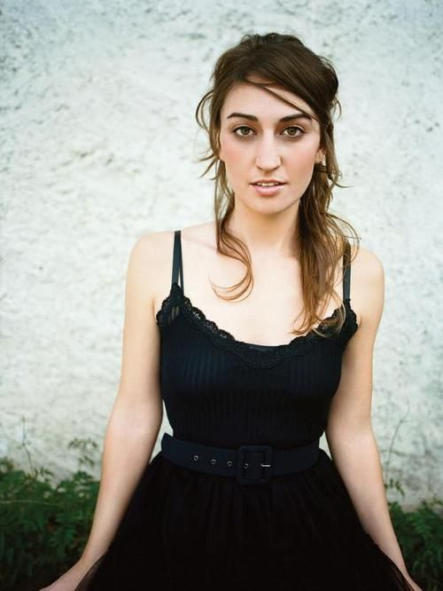 """Sara Bareilles On Feb 6, 2014, transiting Mercury will turn retrograde and join transiting Neptune on Sara's south node. Foggy communication regarding the past may have her going, """"Wait. What?!?"""" We don't know which house it's in, so no other details. Or she may dream a tune / some lyrics then."""