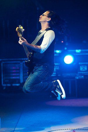 The ever-bounding bassist, Geddy Lee.