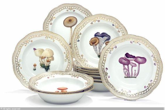"""""""Flora Danica Fungi"""" soup plates with pierced rim, decorated in colours and gold with fungi, (12)"""
