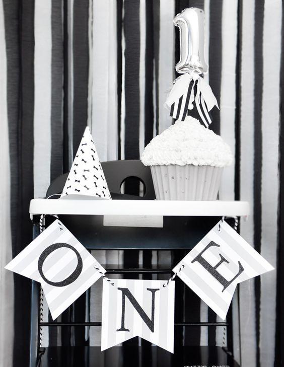 Marlene, puedes hacer la bandera Feliz 30th Birthday en este estilo pero blanco y negro?